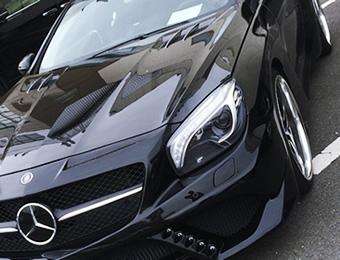 圧倒的なツヤと光沢!ガラス被膜でお車を守ります