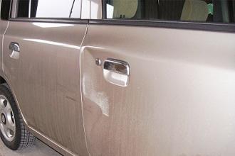 右フロントドア板金・塗装・修理